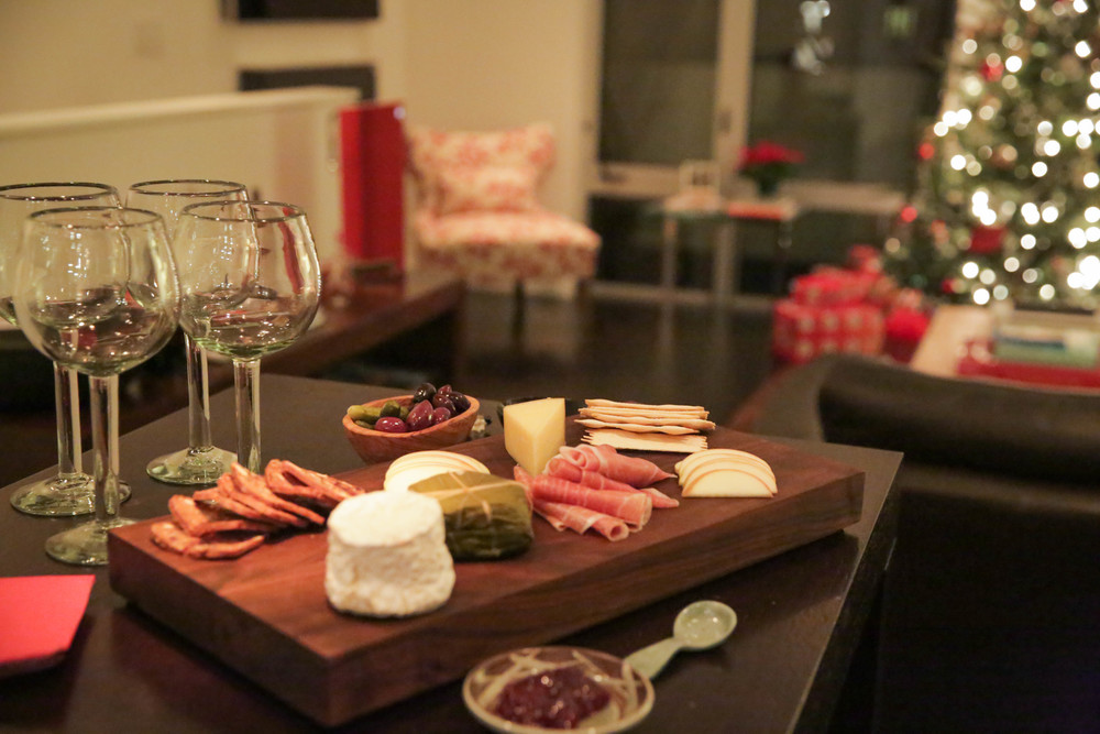 LaurenSchwaiger-Life-Style-Blog-Cheese-Charcuterie-Board.jpg