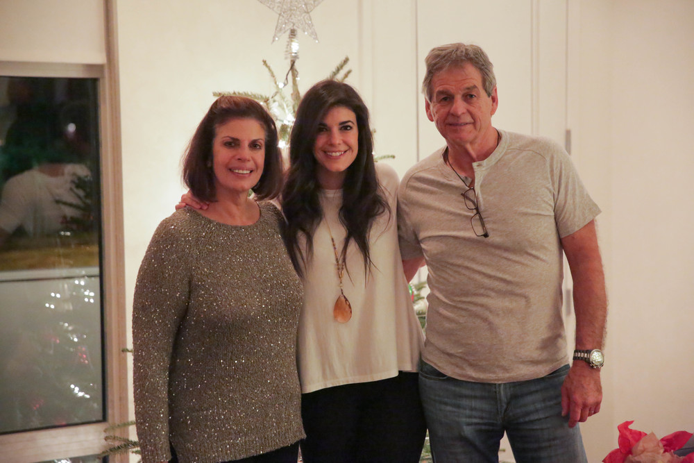 LaurenSchwaiger-LIfe-Style-Blog-Family-Christmas-Eve.jpg