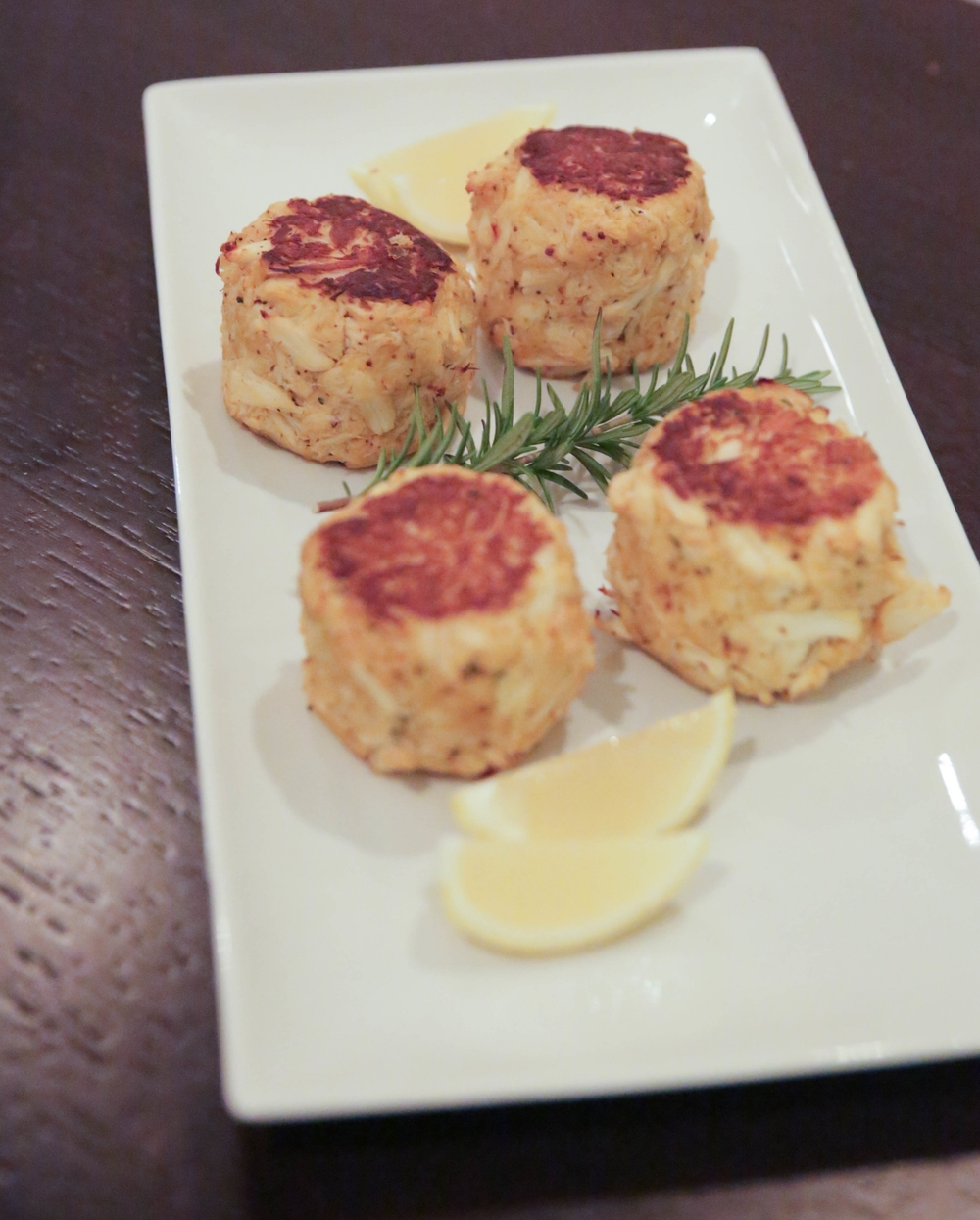 LaurenSchwaiger-Life-Style-Blog-Clean-Catch-Charlotte-NC-Crabcakes.jpg