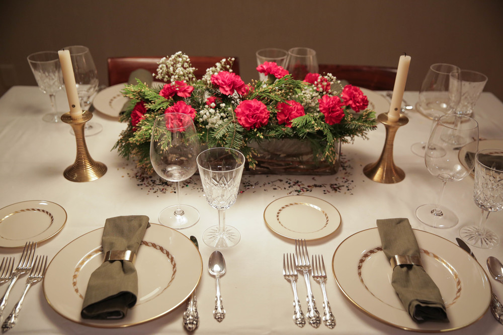 LaurenSchwaiger-life-style-Blog-Christmas-Table.jpg
