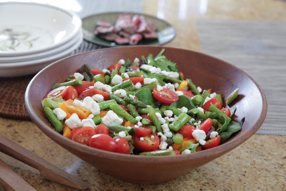 LaurenSchwaiger-Life-Style-Blog-Mixed-Veggie-Salad.jpg