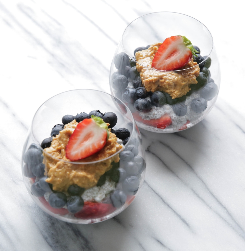 LaurenSchwaiger-Healthy-life-Style-Blog-Coconut-Chia-Parfaits.jpg
