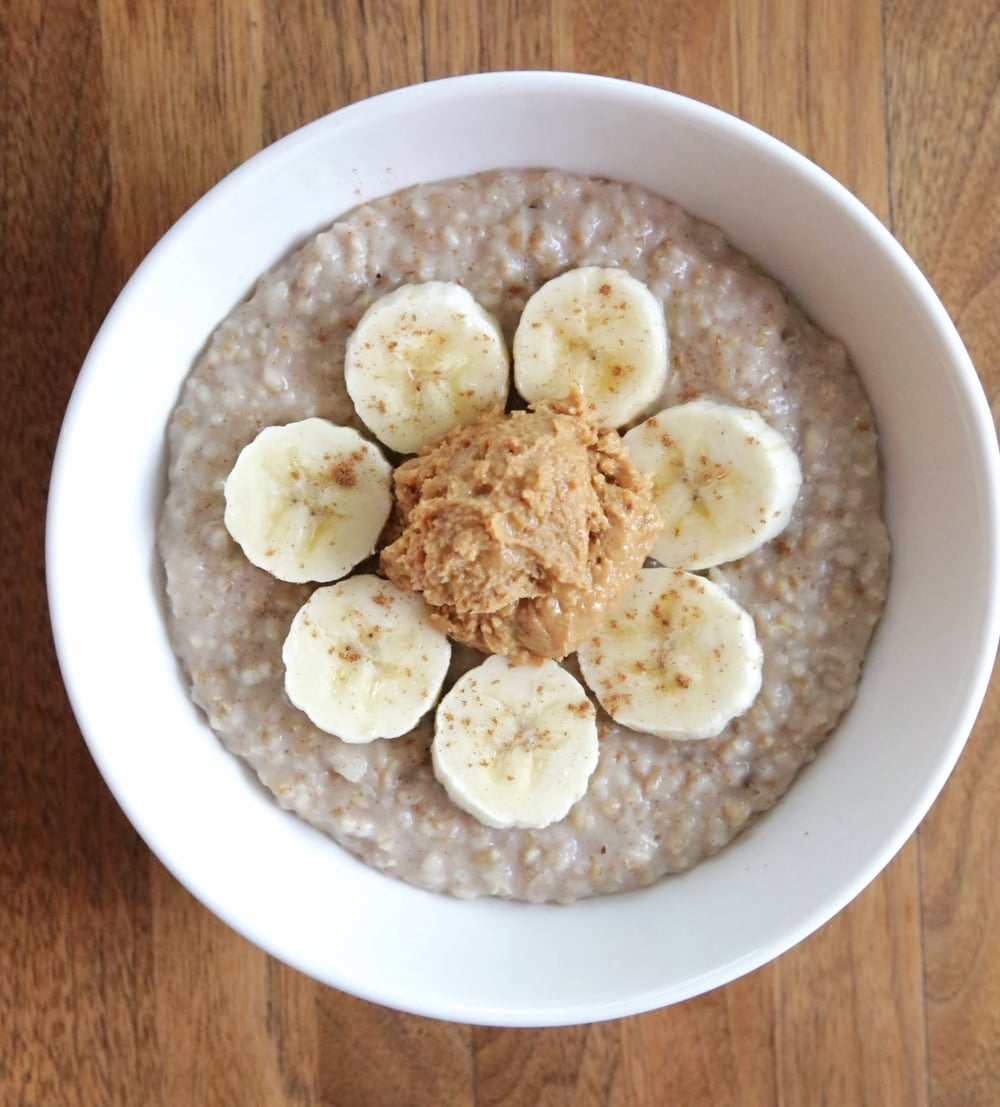 LaurenSchwaiger-Healthy-Life-Style-Blog-PB-Banana-Oatmeal.jpg