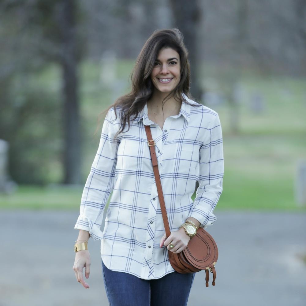 LaurenSchwaiger-Life-Style-Blog-OOTD-Athleta-White-Blue-Button-Down.jpg