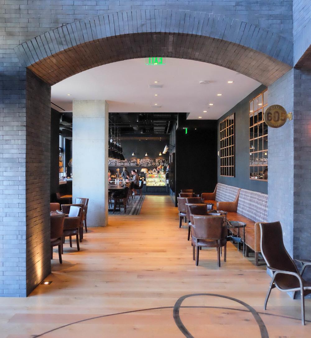LaurenSchwaiger-Life-Style-Blog-Hotel-Van-Zandt-Cafe-605.jpg