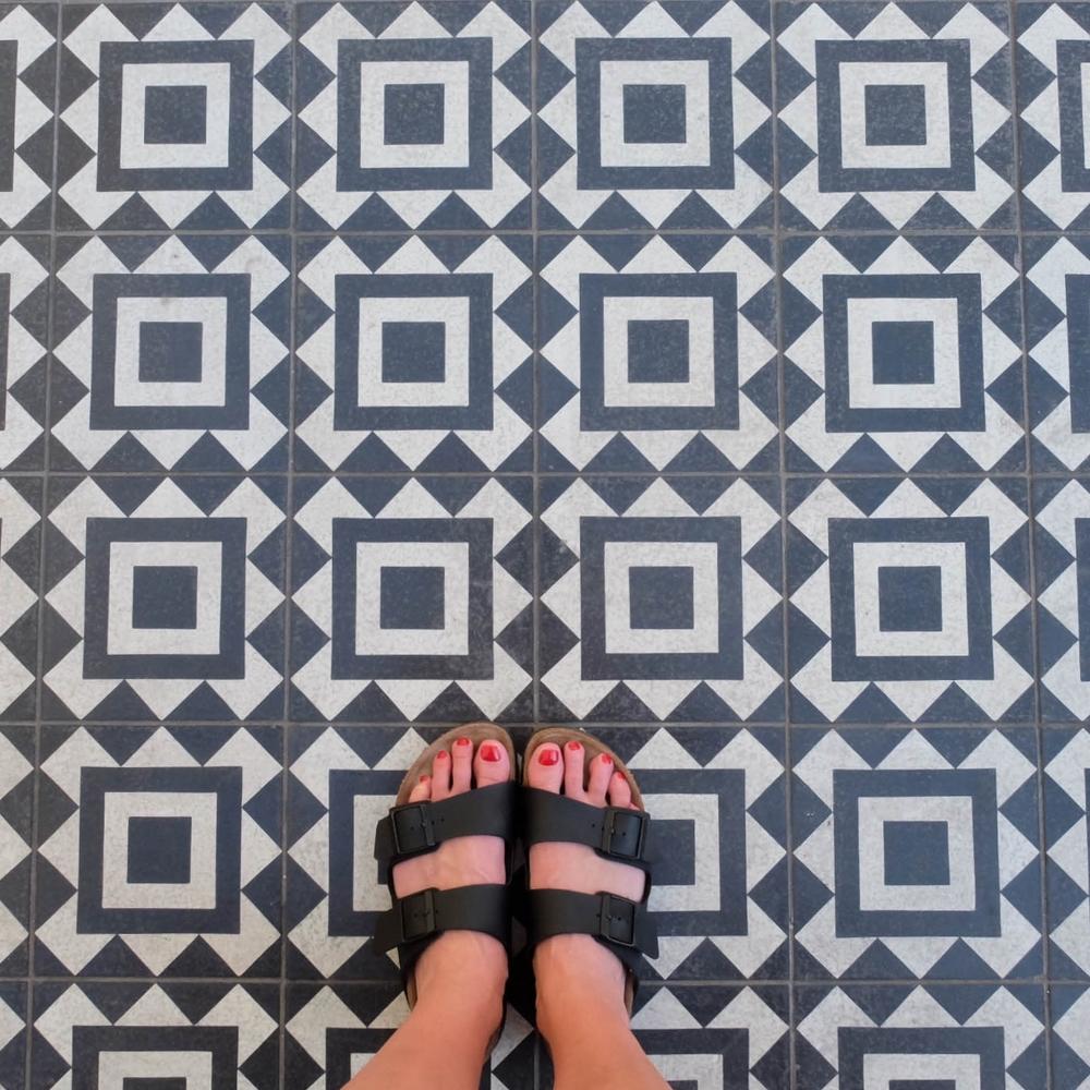 LaurenSchwaiger-Life-Style-Blog-Birkenstocks-Black-White-Tile.jpg