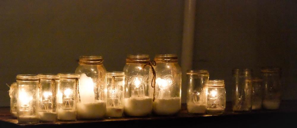 LaurenSchwaiger-Life-Style-Blog-Mason-Jars-Candle-Light.jpg