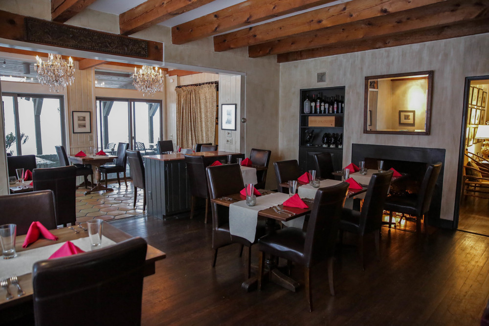LaurenSchwaiger-Life-Style-Travel-Blog-The-Restaurant-Gideon-Ridge-Inn.jpg