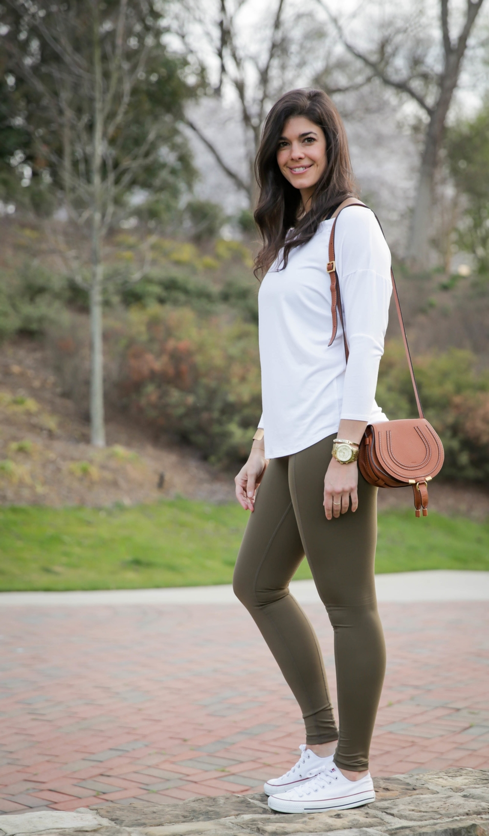 LaurenSchwaiger-Life-Style-Blog-Haven-Collective-Olive-Contour-Legging.jpg