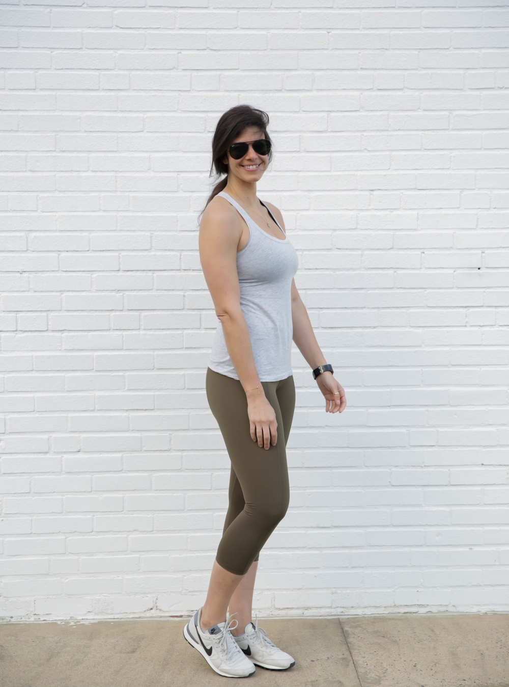 LaurenSchwaiger-Life-Style-Blog-HAVEN-Olive-Contour-Crop-Legging.jpg