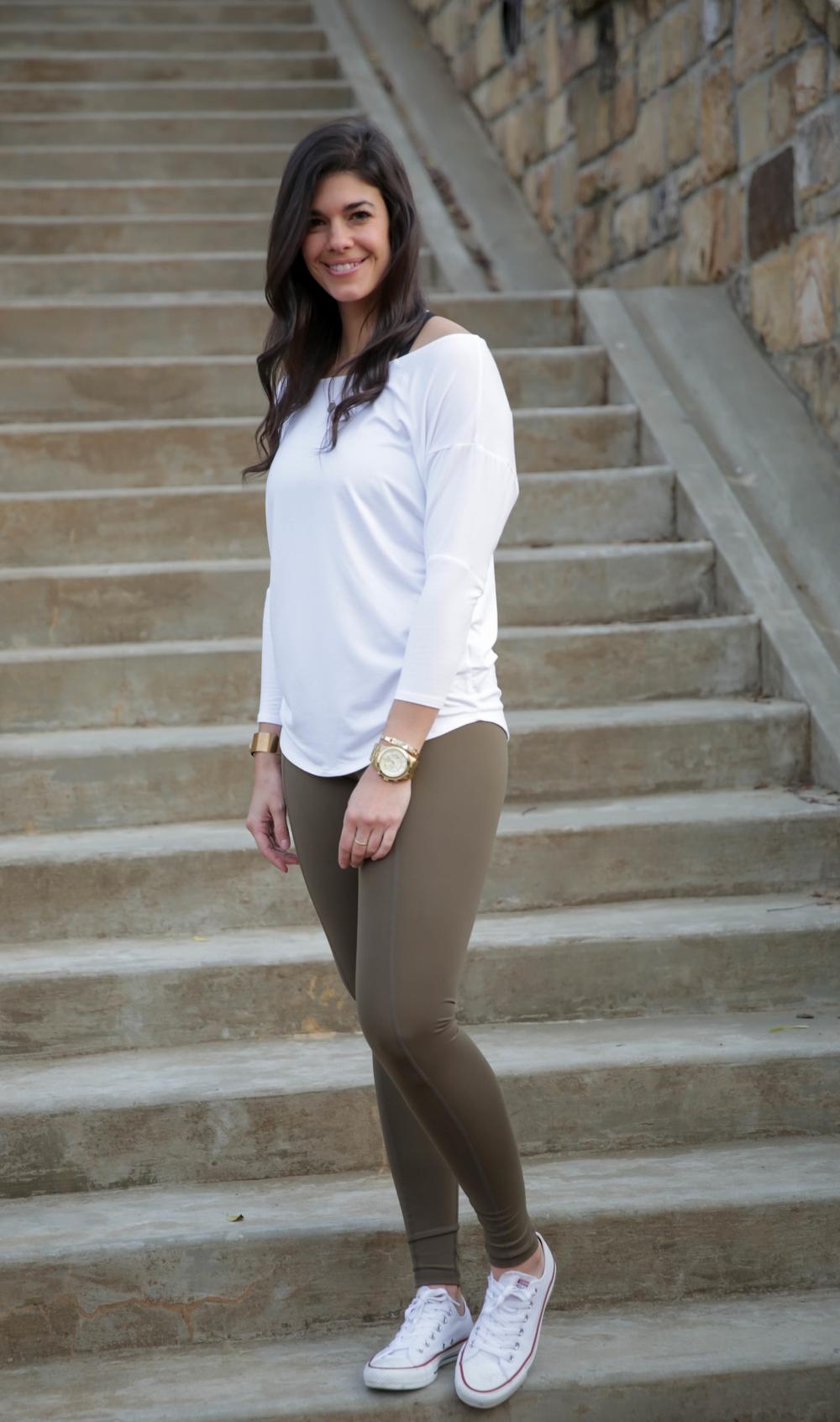 LaurenSchwaiger-Life-Style-Blog-HAVEN-Olive-Contour-Legging.jpg