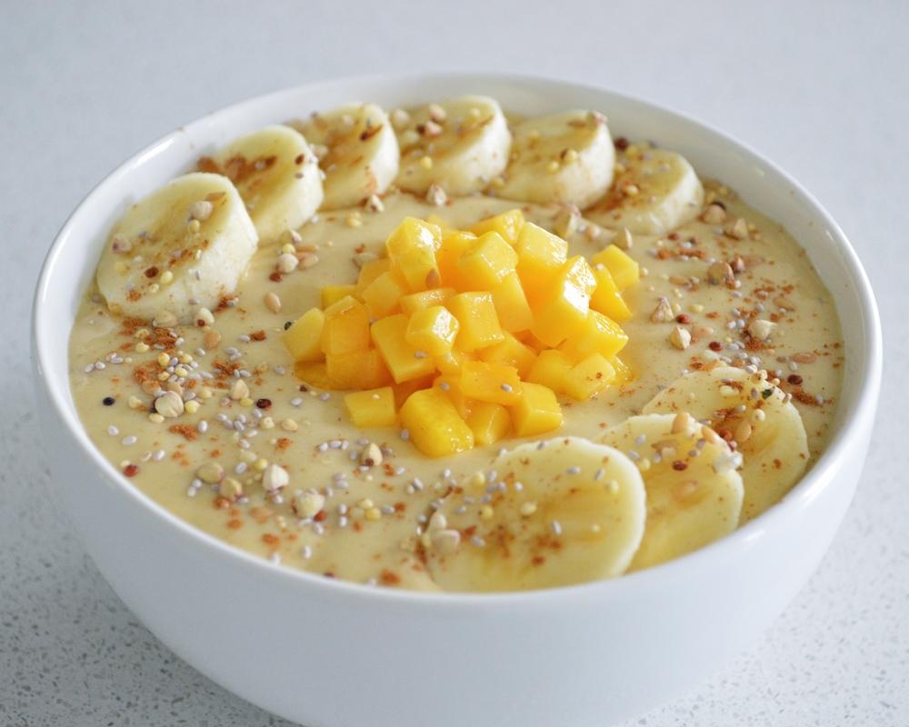 Banana-Mango-Spice-Smoothie-Bowl-LaurenSchwaiger-Blog.jpg
