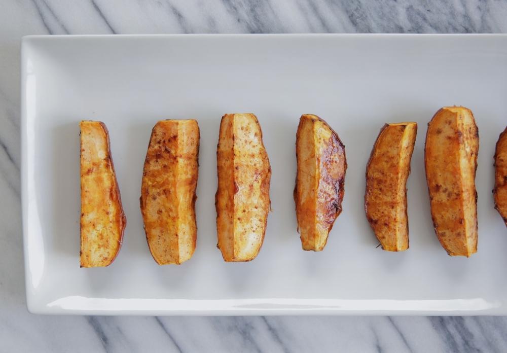 LaurenSchwaiger-Healthy-Life-Style-Blog-Roasted-Sweet-Potatoes-Cinnamon-Caynne-Maple-Syrup.jpg