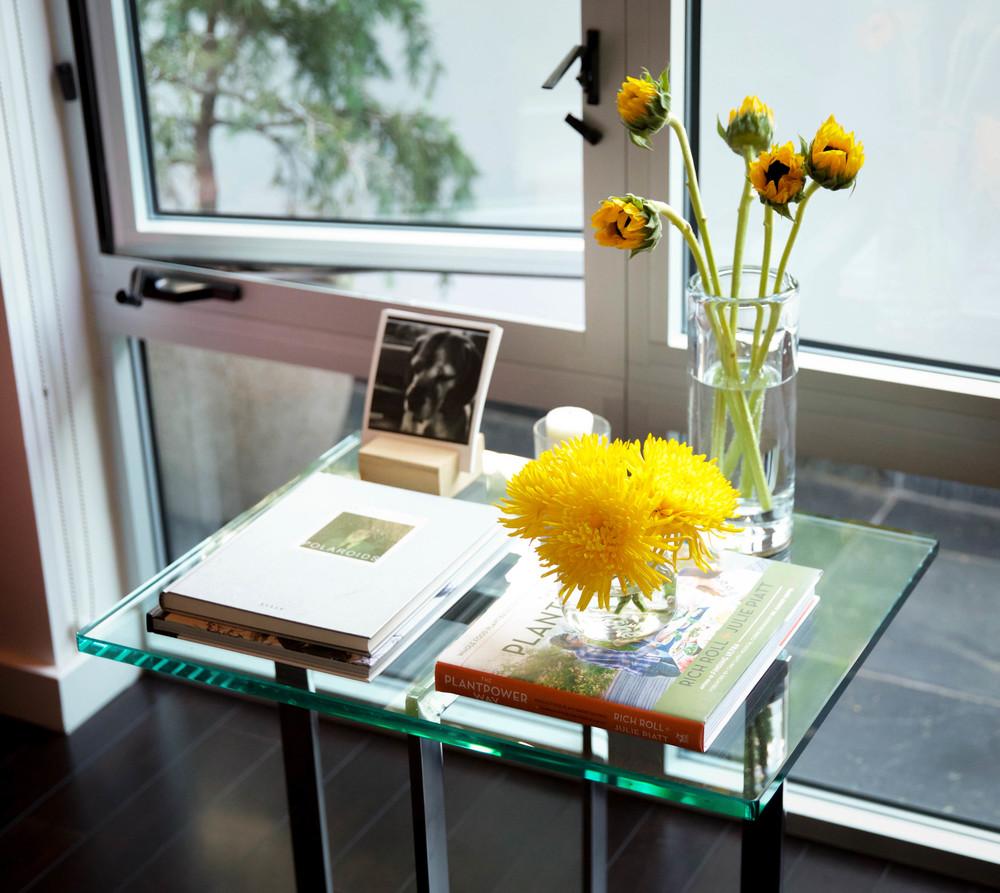 LaurenSchwaiger-Life-Style-Blog-Modern-Home-Table-Top.jpg