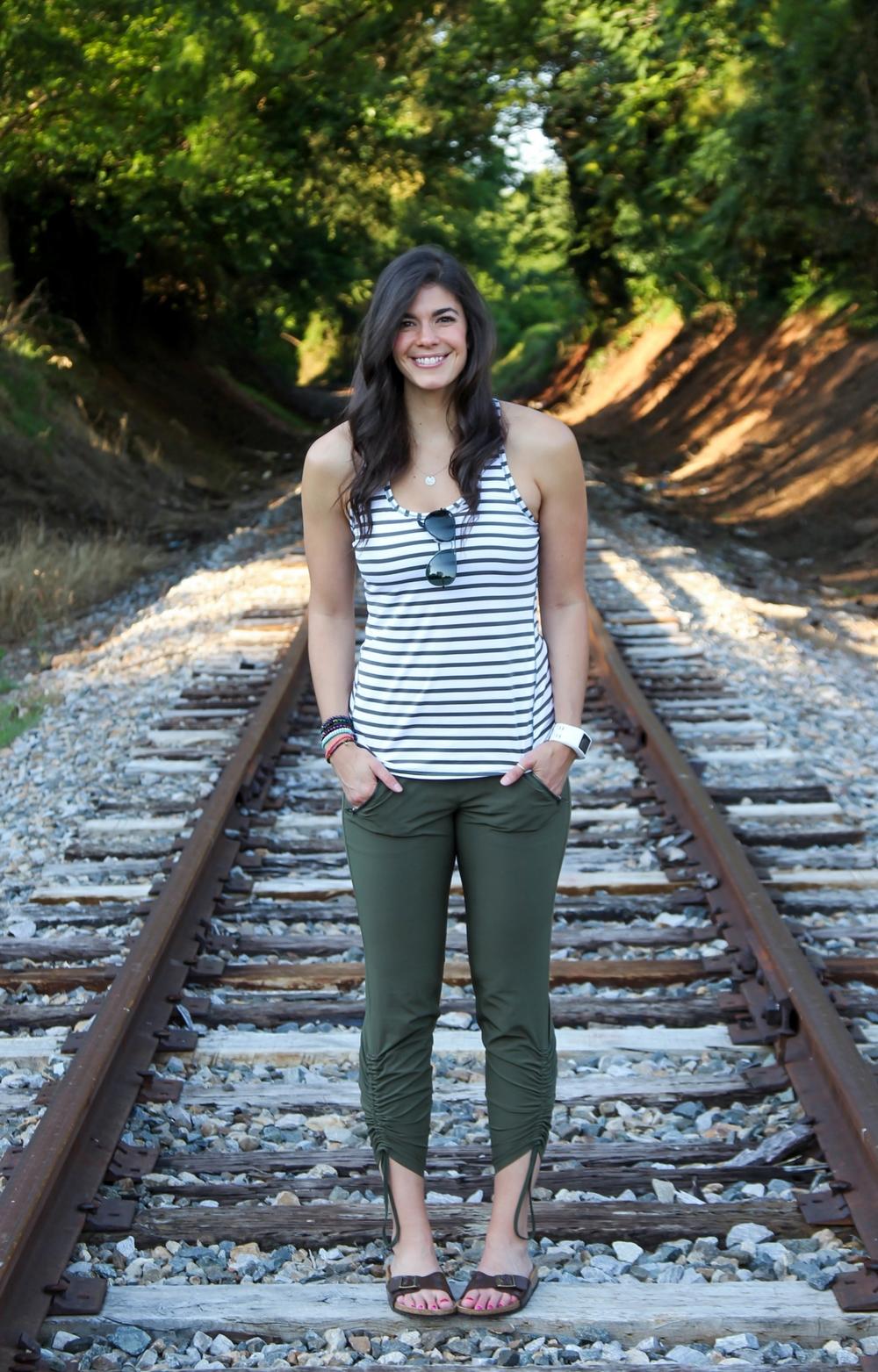 LaurenSchwaiger-Life-Style-Blog-Summer-Casual-Athleta-Athleisure.jpg