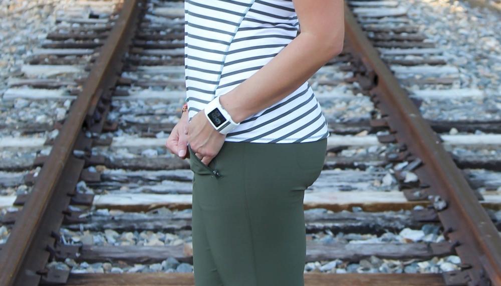 Athleta-Striped-Chi-Tank-Athleisure-LaurenSchwaiger-Life-Style-Blog.jpg