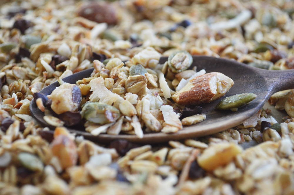 Gluten-Free-Granola-Recipe-LaurenSchwaiger-Healthy-Lifestyle-Blog.jpg