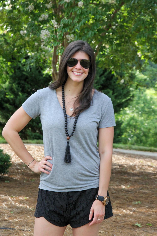 Summer-Style-Boho-Wooden-Bead-Necklace-LaurenSchwaiger-Style-Blog.jpg