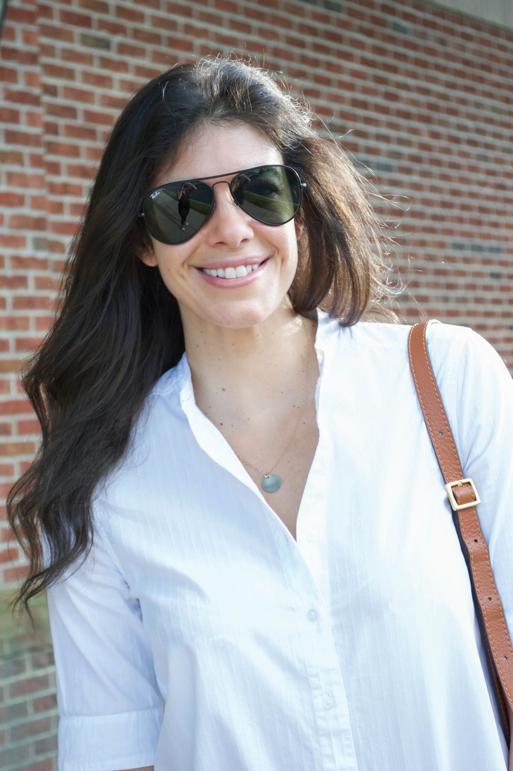 LaurenSchwaiger-LIfestyle-Blog-Summer-White-Button-Down.jpg
