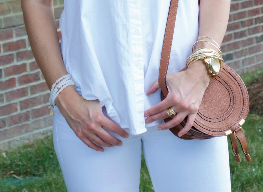 Summer-Style-White-on-White-Gold-Tan-Accessories-LaurenSchwaiger-Lifestyle-Blog.jpg