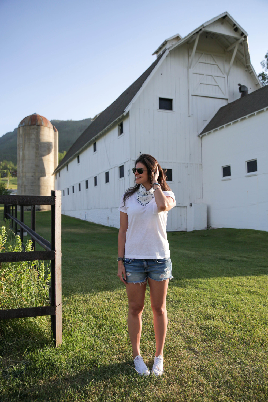 LaurenSchwaiger-Lifestyle-Blog-Park-City-Utah-White-Barn-Americana.jpg