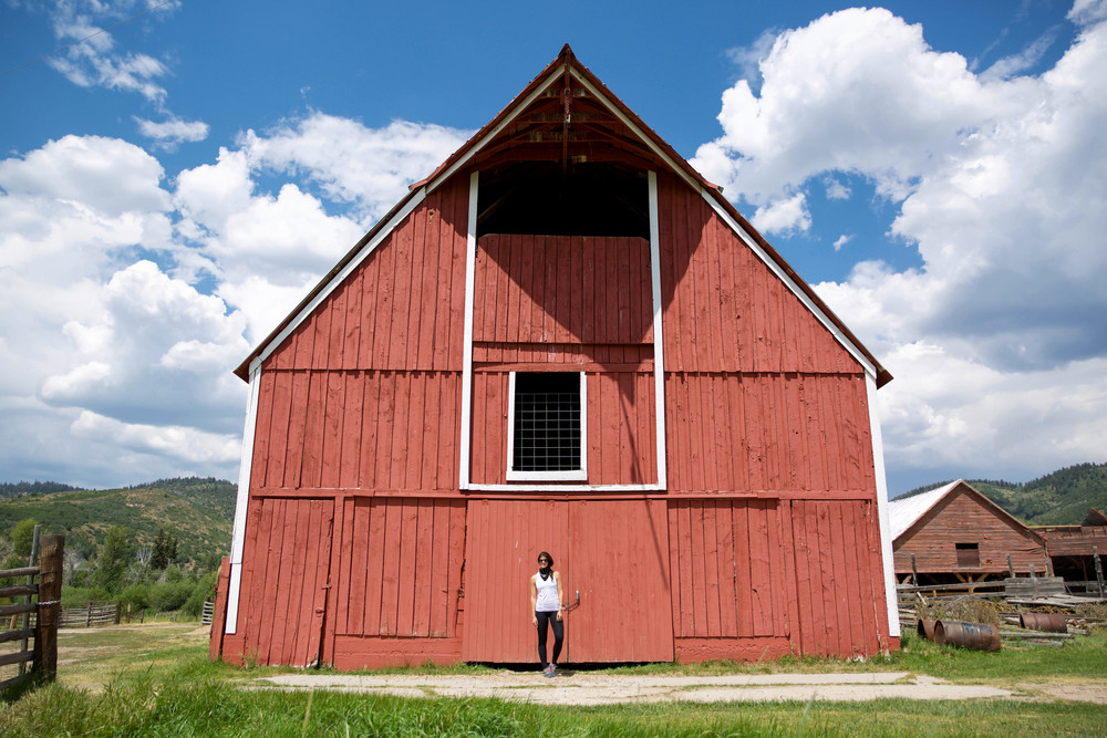 LaurenSchwaiger-Style-Travel-Blog-Red-Barn-utah.jpg