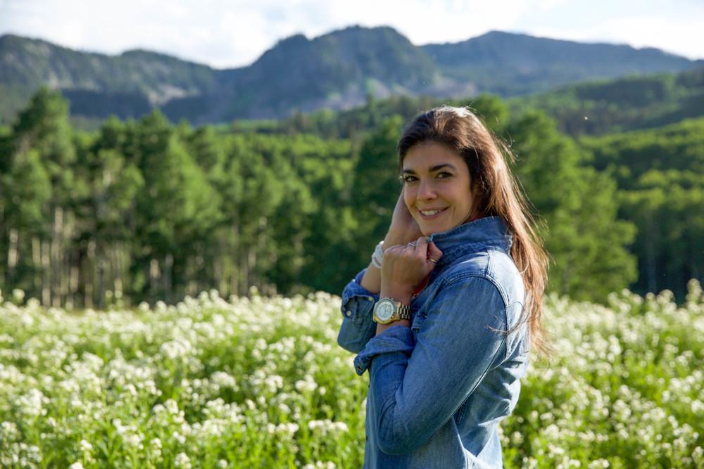 LaurenSchwaiger-Travel-Style-Blog-Deer-Valley-Utah-Denim-Shirt.jpg