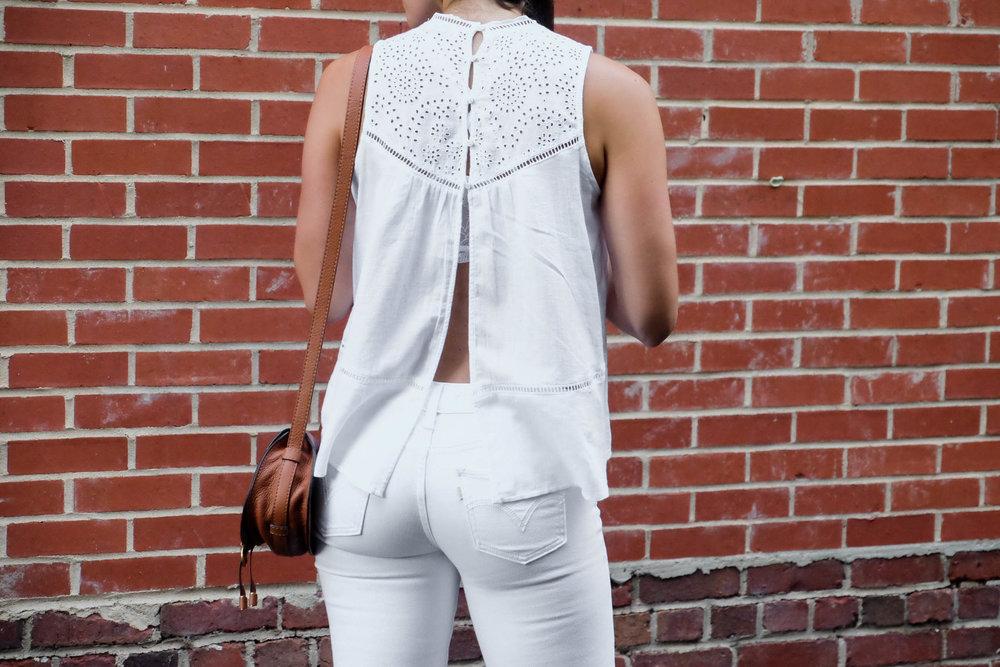 laurenschwaiger-style-blog-summer-whites-abercrombie-lace-open-back-top.jpg