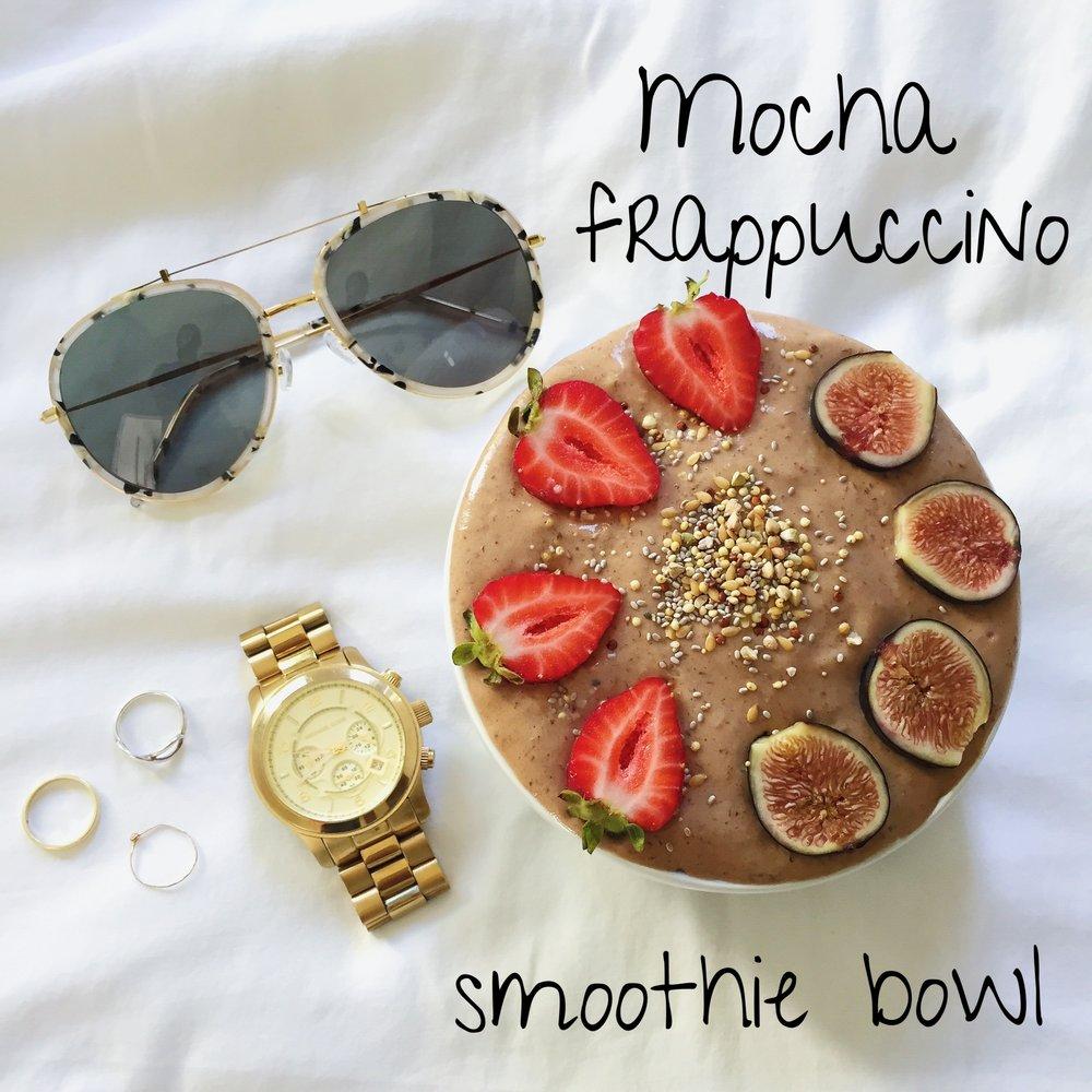 laurenschwaiger-healthy-lifestyle-blog-coffee-smoothie-bowl.jpg