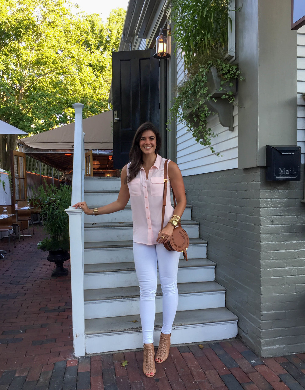LaurenSchwaiger-Travel-Lifestyle-Blog-Summer-Style-Nantucket.jpg