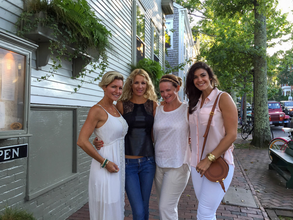 laurenschwaiger-travel-style-blog-nantucket-girls-weekend.jpg