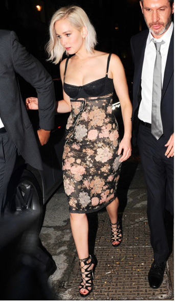 Jennifer-lawrence-Silk-Floral-Dress-Laurenschwaiger-Style-Blog.jpg