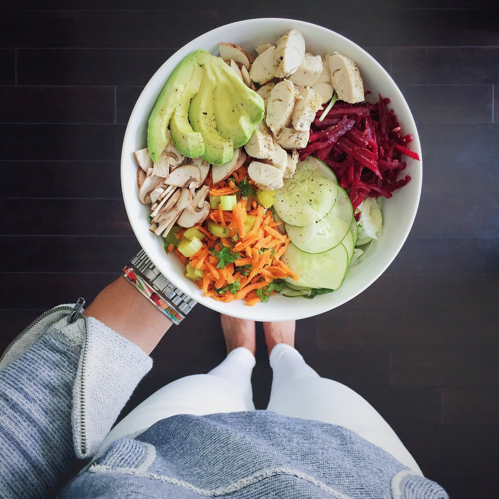 LaurenSchwaiger-Healthy-Lifestyle-Blog-Veggie-Salad.jpg