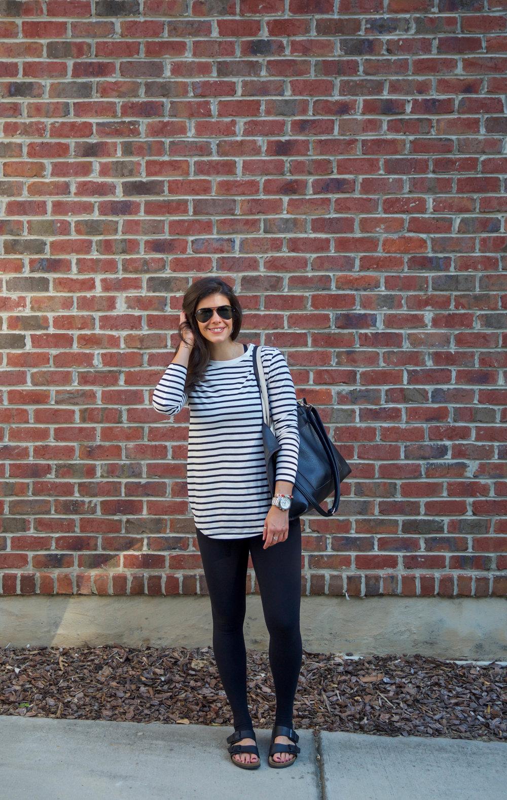 laurenschwaiger-style-blog-ootd-athleisure-black-white-stripes.jpg