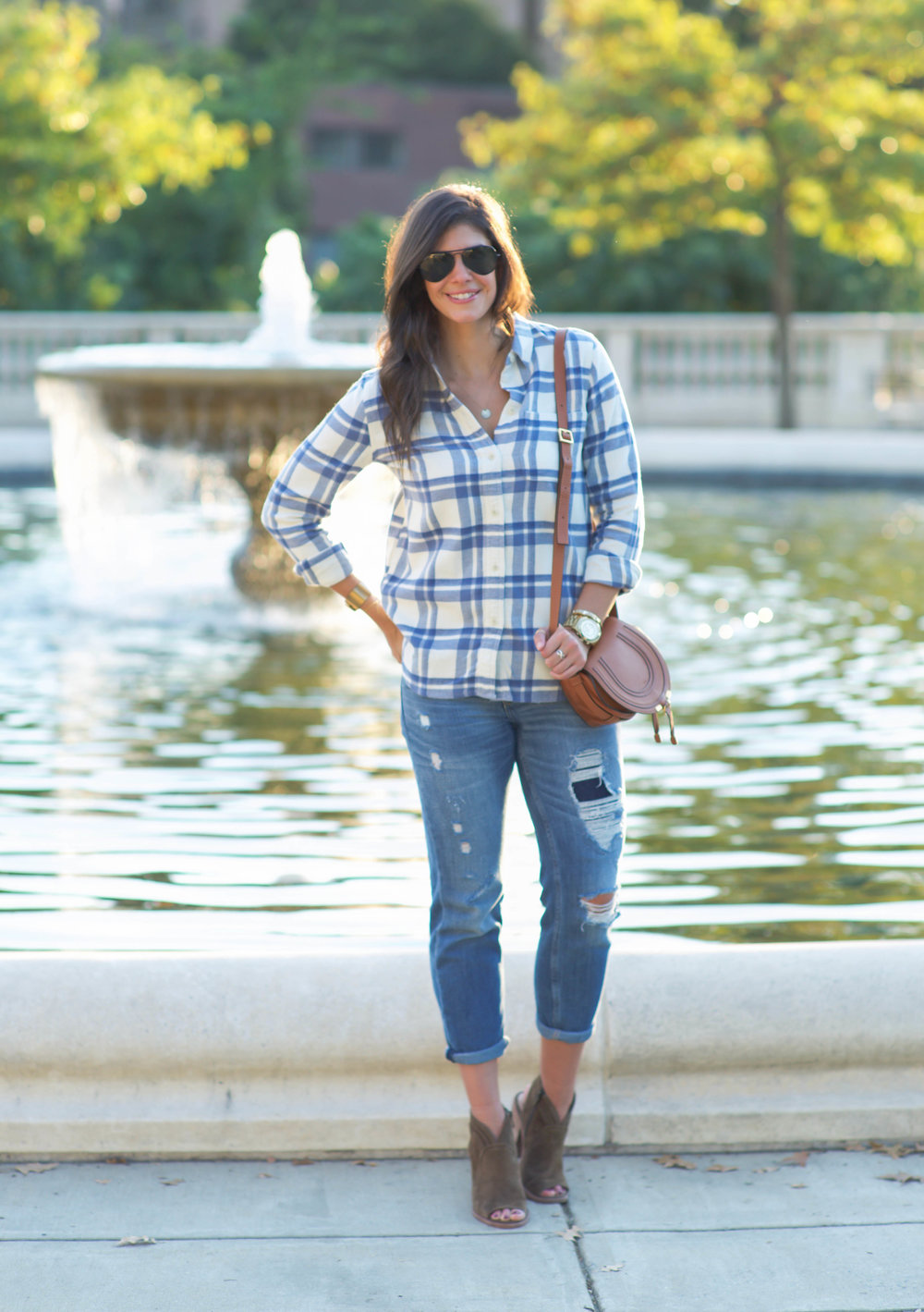 LaurenSchwaiger-Life-Style-Blog-Fall-Fashion-Madewell-Flannel.jpg