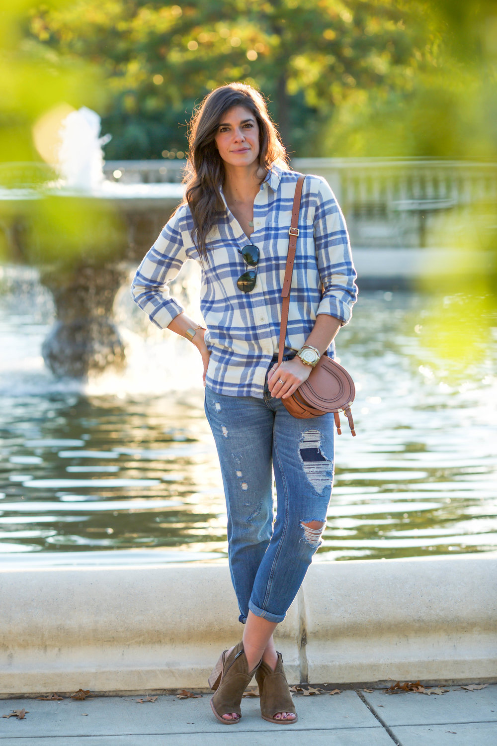 LaurenSchwaiger-Life-Style-Blog-Fall-Fashion-Flannel-Boyfriend-Jeans.jpg