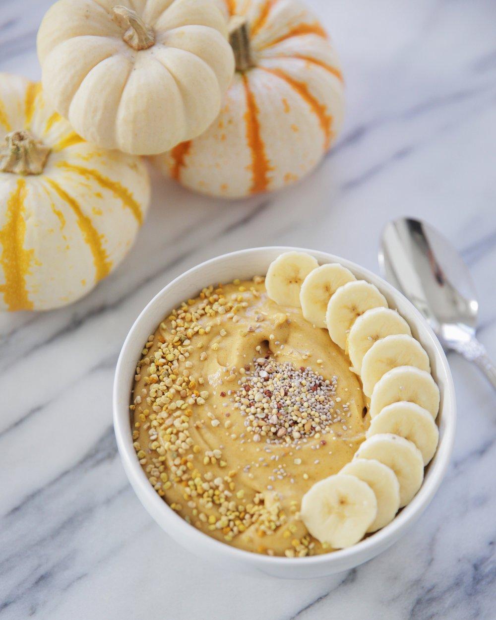 pumpkin-pie-smoothie-bowl-laurenschwaiger-healthy-living-blog.jpg