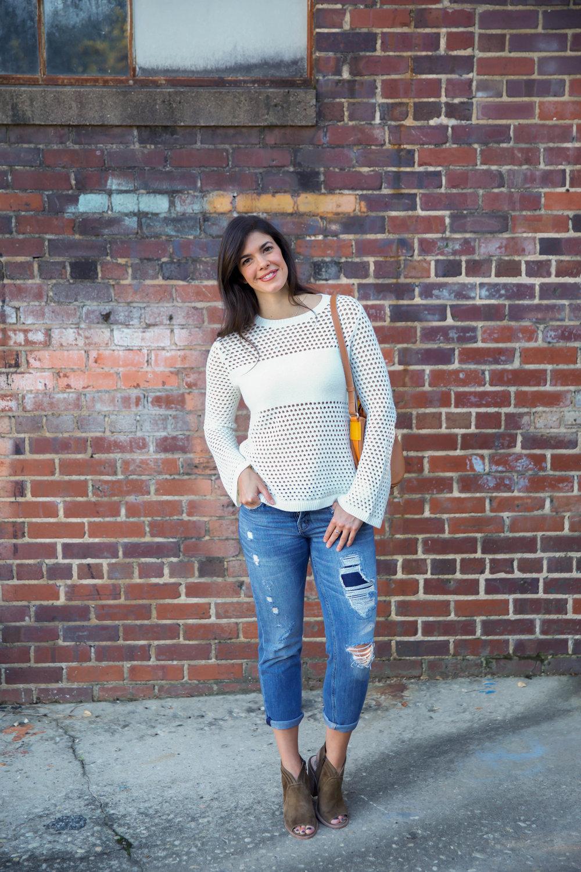 fall-style-boyfriend-jeans-cream-sweater-lauren-schwaiger-style-blog.jpg