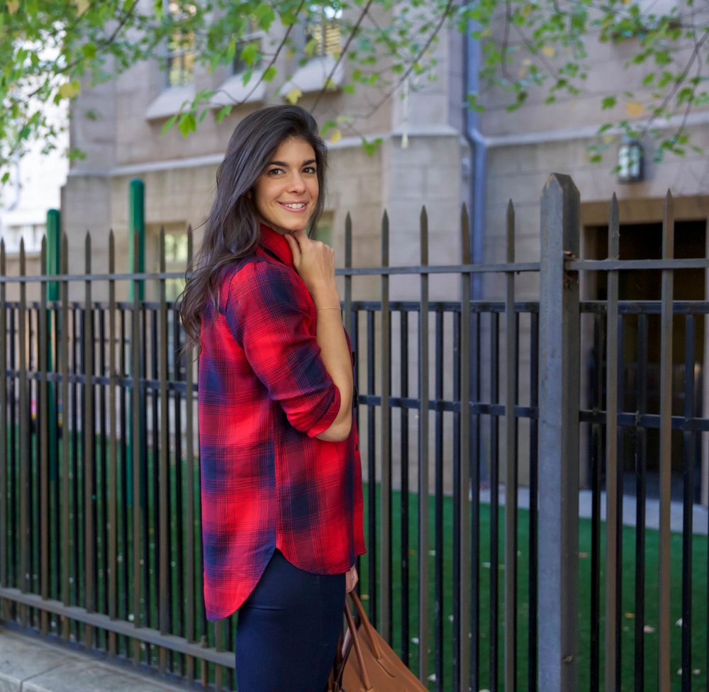red-blue-plaid-button-down-madewell-fall-style-lauren-schwaiger-blog.jpg