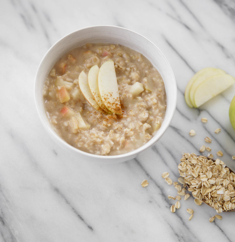 gluten-free-apple-cinnamon-oats-lauren-schwaiger-blog.jpg