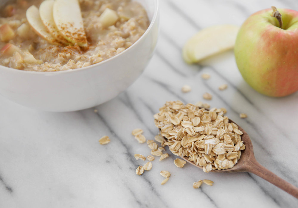 fall-oatmeal-apple-cinnamon-healthy-breakfast-lauren-schwaiger-blog.jpg