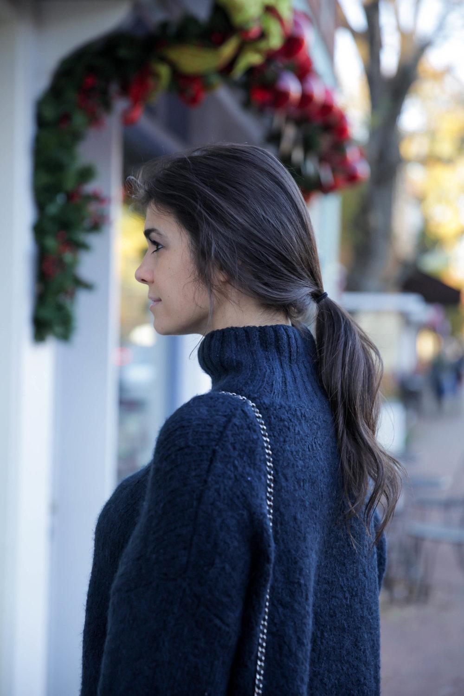 lauren-schwaiger-style-blog-hm-navy-sweater.jpg