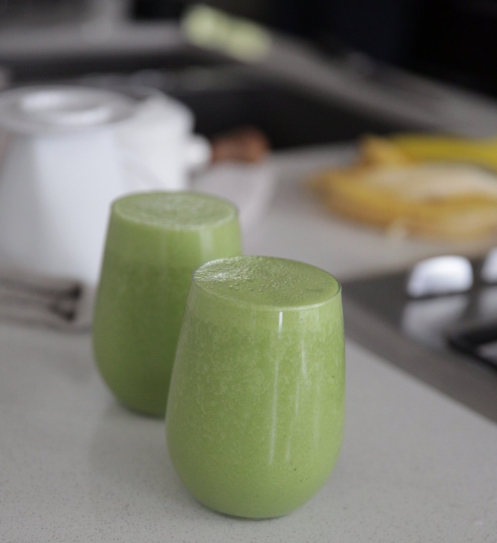green-smoothie-lauren-schwaiger-health-blog.jpg