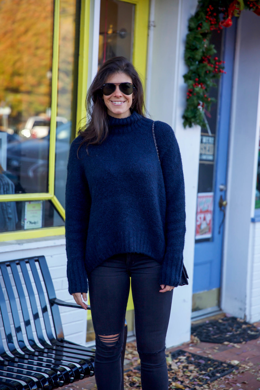 lauren-schwaiger-style-blog-navy-turtleneck-sweater.jpg