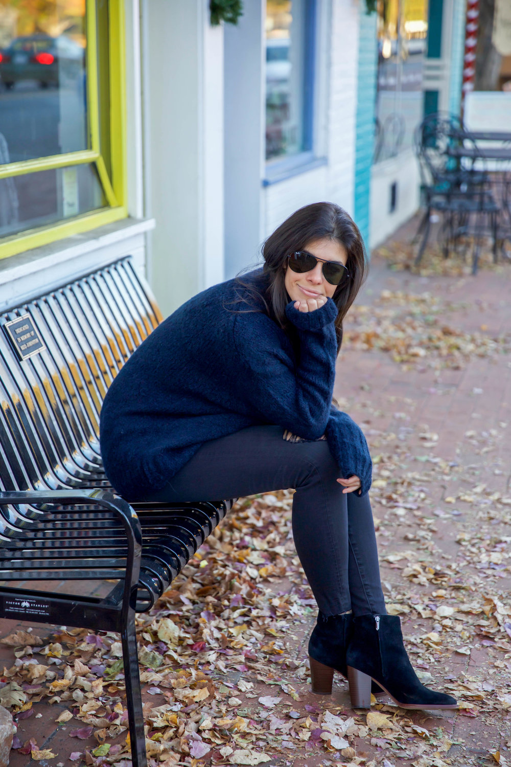 cozy-navy-turtleneck-sweater-ootd-lauren-schwaiger-style-blog.jpg
