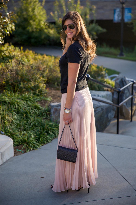 ootd-blush-pleated-skirt-black-graphic-tee-style-blog.jpg