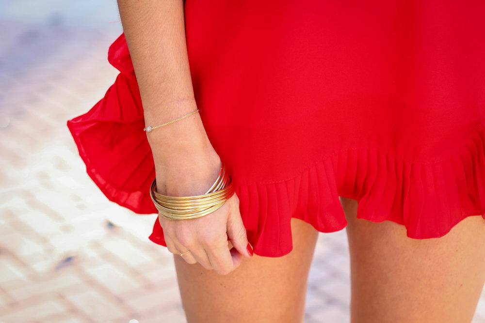 red-ruffles-gold-accessories-lauren-schwaiger-style.jpg