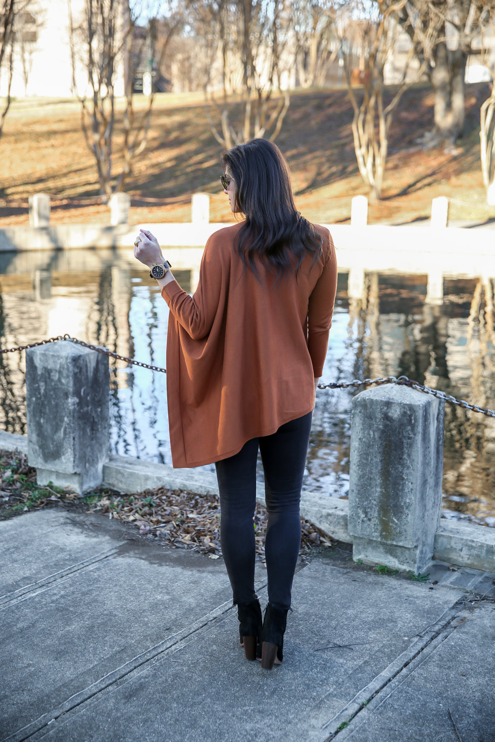 black-bronze-ootd-long-sleeve-batwing-top-lauren-schwaiger-style.jpg