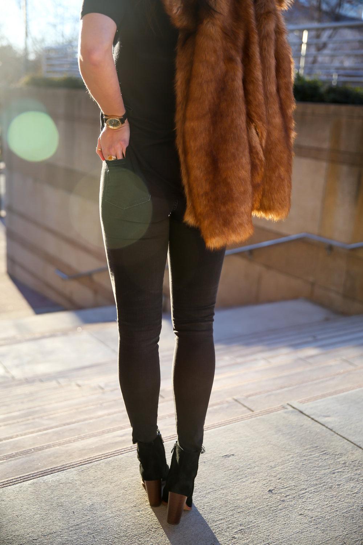 madewell-black-skinny-jeans-faux-fur-jacket-lauren-schwaiger-style-blogger.jpg