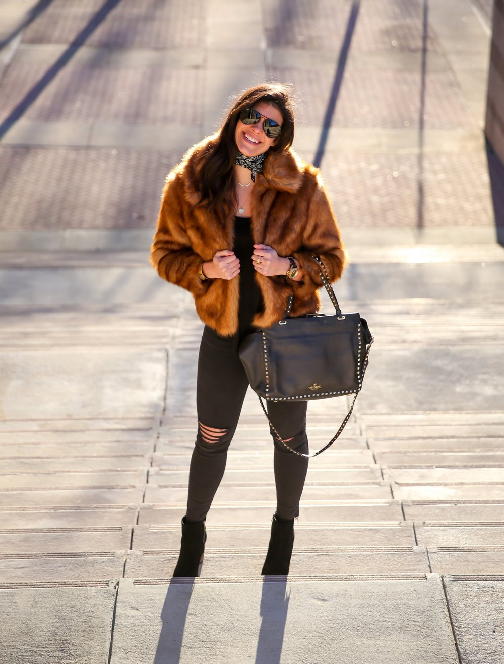 lauren-schwaiger-style-blog-faux-fur-ripped-black-denim.jpg